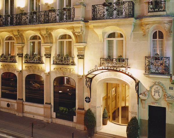 Отель Astra Opera 4*